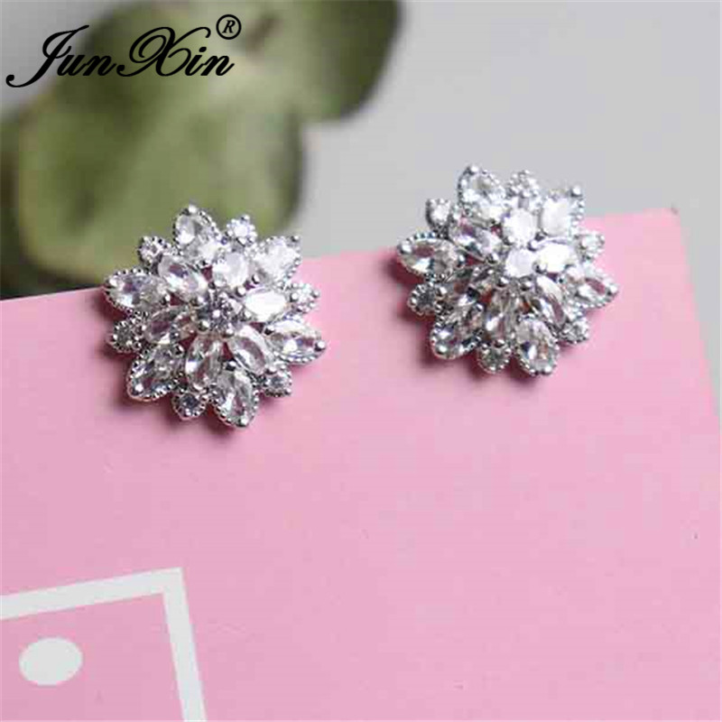JUNXIN Cute White Snowflake Stud Earrings For Women Silver Color Austrian Crystal Zircon Stone WEdding Earrings CZ