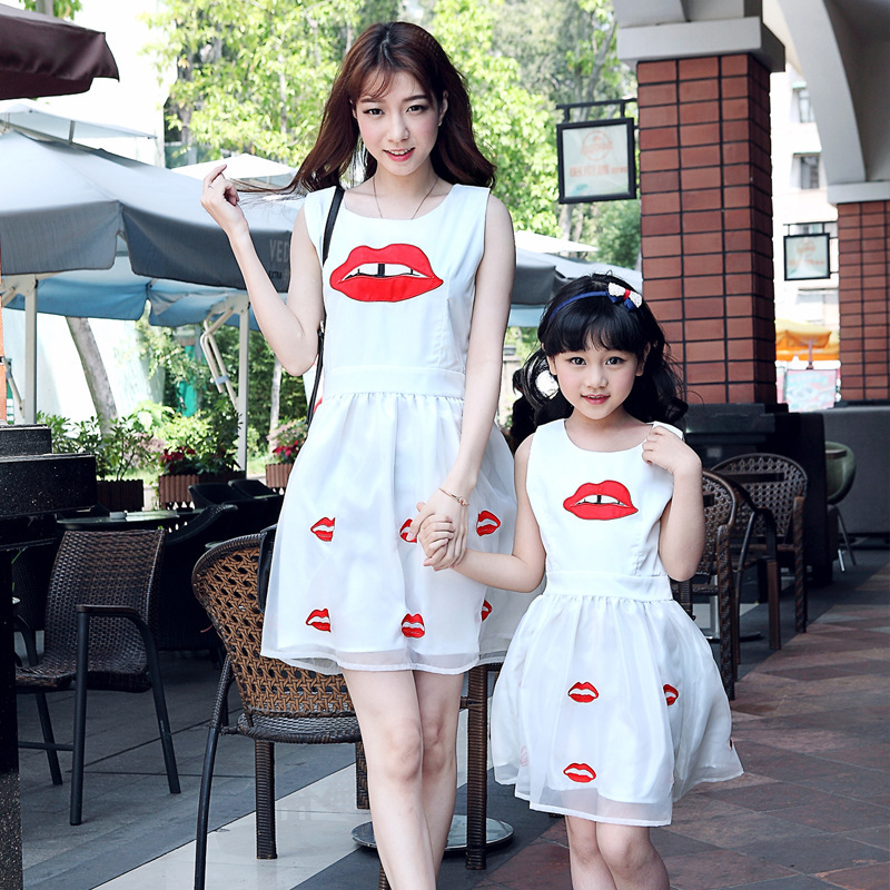 4487adef48c88 2019 summer style mother daughter dresses women girls organza white dress  cute family look matching mother and daughter clothes