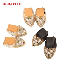 XGRAVITY Hot Crystal Flats Ballet Butterfly Shoes Rhinestone Women Designed Girl Flower Pointed Toe Silver Loafers C001