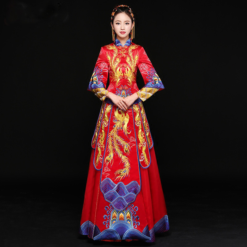 Ancient marriage costume the bride clothing gown traditional Chinese wedding dress womens cheongsam embroidery phoenix red Qipao
