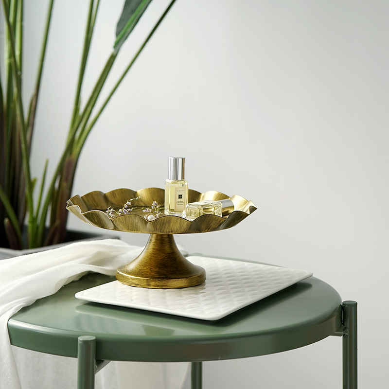 SWEETGO الذهب الأسود كعكة حامل كعكة صينية معدنية أدوات خمر الذهب الأسود لكعكة العطور صينية حلوى بار التبعي الديكورات المنزلية