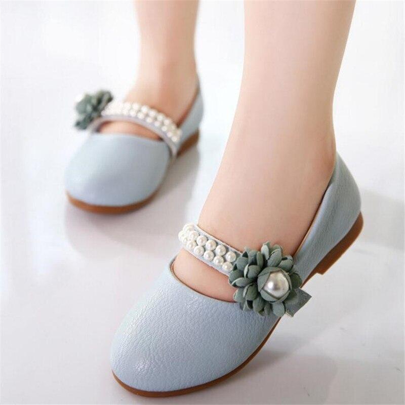 Ragazze principessa scarpe di cuoio 2018 primavera bella fiori di perle  sandali inferiori molli della ragazza dei bambini scarpe casual scarpe da  ballo in ... 49e8e683b00