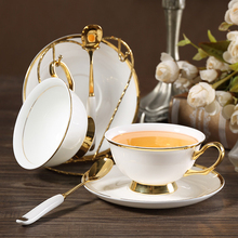 High-quality Bone china coffee cup afternoon tea flower teacup saucer European creative drawing gold rim set giftbox