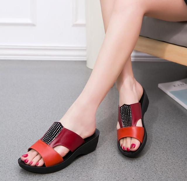 100+ Contoh Model Sepatu Wanita Untuk Orang Tua Paling Bagus