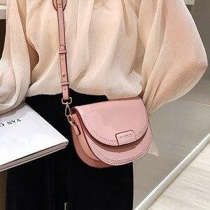Image 4 - 여성을위한 여성 안장 Crossbody 가방 2020 품질 Pu 가죽 럭셔리 핸드백 디자이너 작은 레이디 슬링 어깨 메신저 가방