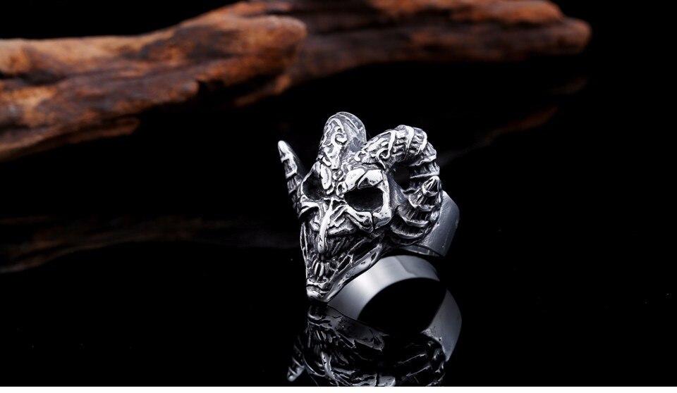แหวนโคตรเท่ห์ Code 030 แหวนกะโหลกฮอร์น ปีีศาจโหดๆ สแตนเลส10