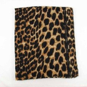 Image 3 - 2019 ブランドヒョウ柄のカシミヤ女性の冬の暖かいデザイナーの女性のファッションショールガールヘッドセクシーなスカーフ