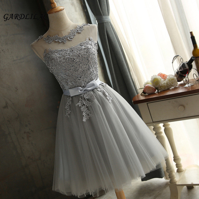 409538101c0 2018 New Silver Short Bridesmaid Dress Tulle Lace Appliques Knee-Length  Sleeveless Short Prom Dress Wedding Party Gown Dresses
