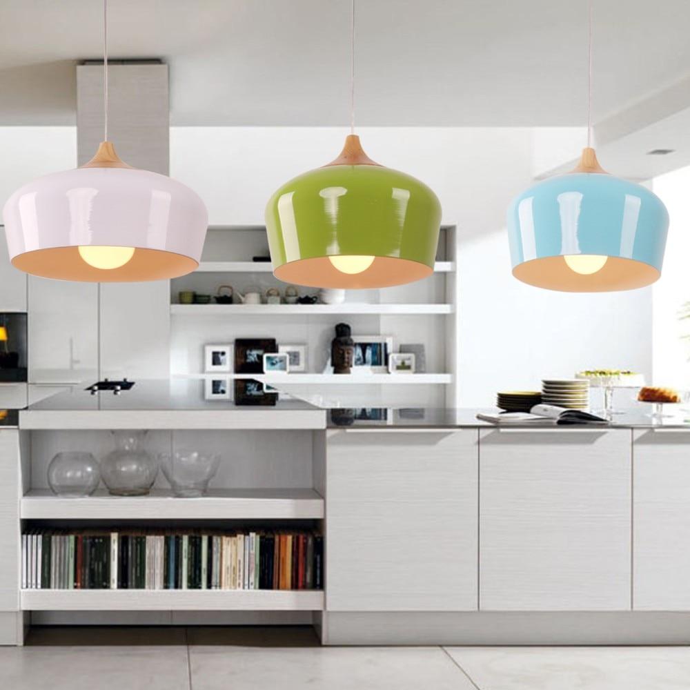 Come Illuminare Una Cucina cucina di lusso moderna con illuminazione bianca del led