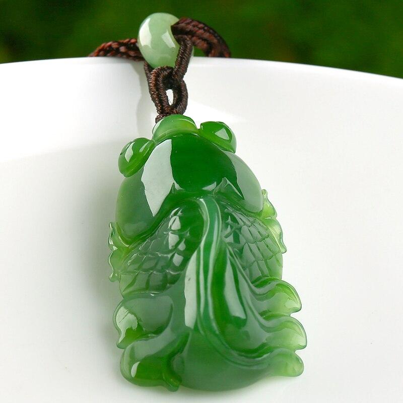 Sculpté naturel épinards vert poisson rouge pendentif authentique hommes et femmes brillance dans le monde entier pour accrocher pendentif/collier boîte-cadeau