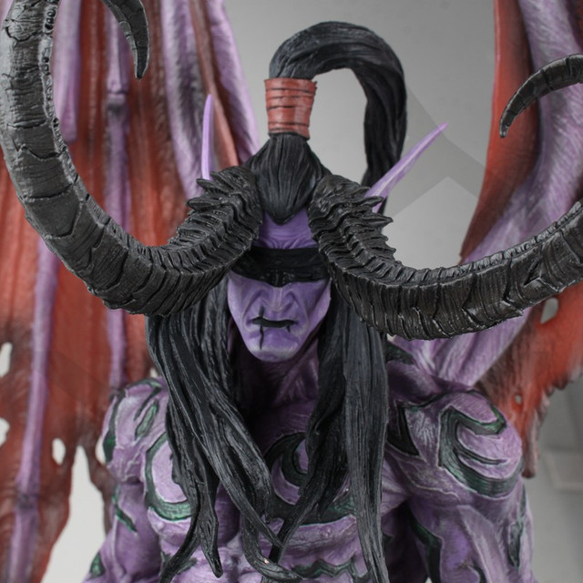 COMIC CLUB IN-STOCK wow Illidan 60cm height gk pvc statue contain led light figure for collection 5