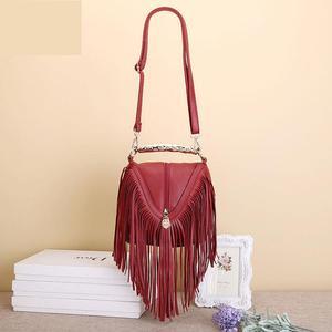 Image 2 - Лидер продаж, модные женские сумки через плечо с кисточками, сумки тоуты из искусственной кожи, сумки мессенджеры с металлическими блестящими ручками, сумки с бахромой