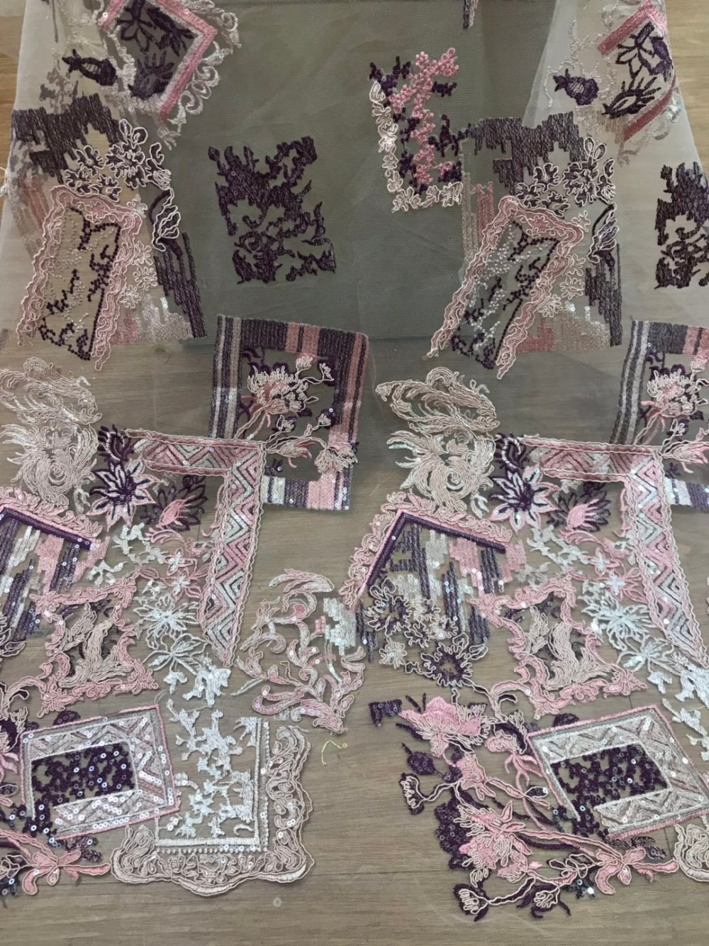 Nigerian Lace Fabrics For Wedding 2018 African French Lace Fabric High Quality Sequins LaceNigerian Lace Fabrics For Wedding 2018 African French Lace Fabric High Quality Sequins Lace
