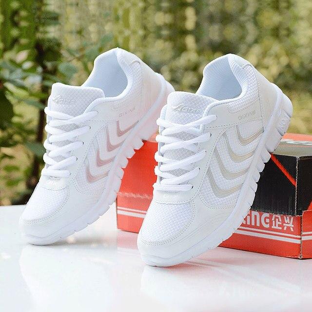 Hızlı teslimat kadın sneakers 2019 Yeni Gelenler moda ışık nefes örgü ayakkabı kadın tenis feminino kadınlar rahat ayakkabılar