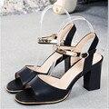 2017 novas sapatas das senhoras sapatos de boca de peixe grosso com sandálias femininas feminino ensino médio com sapatos femininos com sandálias. DFGD-167