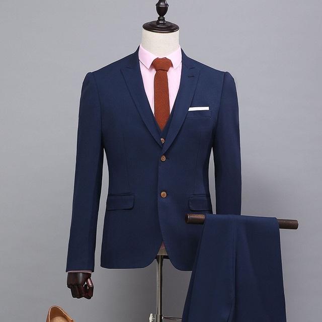 Ternos dos homens quentes Slim Fit Azul Royal Mens Terno Do Casamento Do Noivo Único Breasted Tecido Cutton Plana Brilhante Negócios Formal vestido