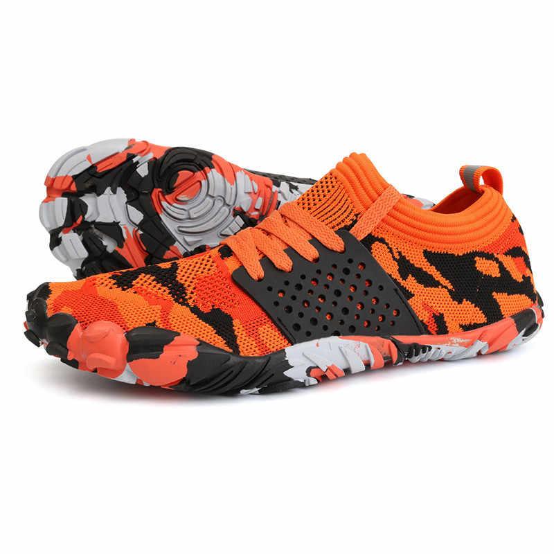 Su ayakkabısı erkekler yaz nefes plaj sandaletleri yukarı Aqua ayakkabı büyük boy yalınayak yüzme dalış ayakkabı Unisex spor ayakkabı