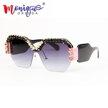 Sexy Rimless Oversized Sunglasses Women Vintage 2018 Red Pink Luxury rhienston Sunglasses For Female Rivet Big Frame Male Shades