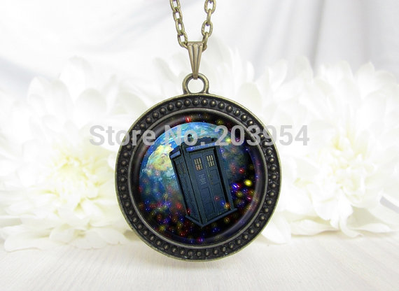 dr who time post chain Steampunk movie doctor who red eight Necklace 1pcs/lot bronze or steel Glass Pendant jewelry women men image