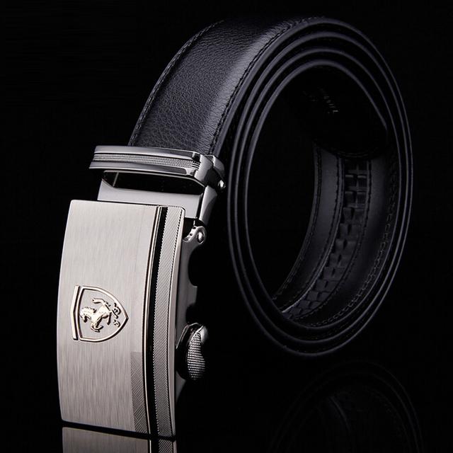 [TG] alta Calidad Insignia Del Coche Caballo de piel de Vaca Hebilla Automática de Los Hombres Cinturones de Lujo Gran Cinturón Correa De Cuero Genuino para Los Hombres