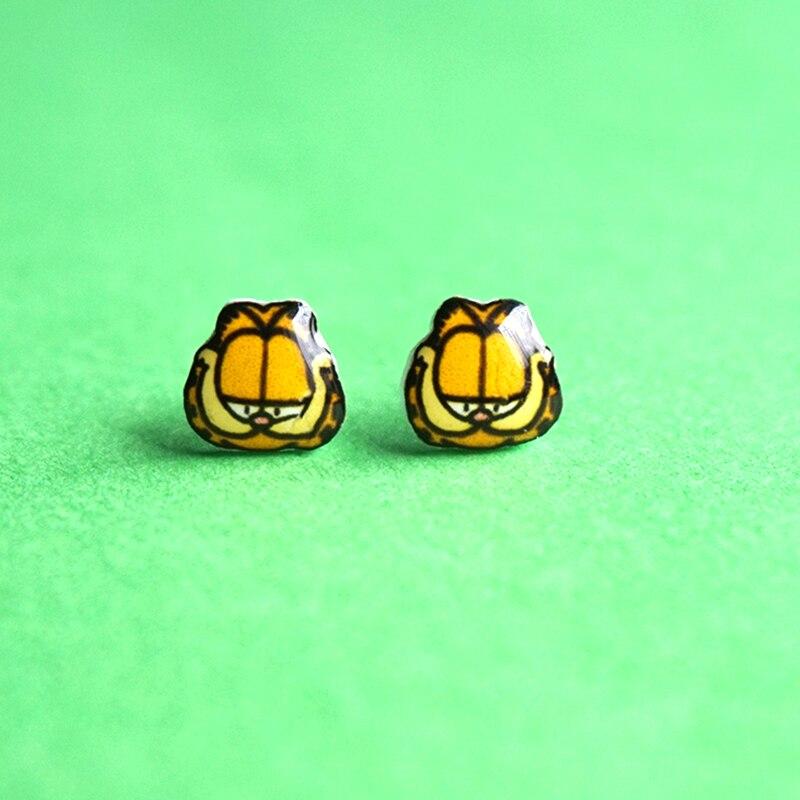 Moda Artesanal Garfield Gato Dos Desenhos Animados Americanos Stud Brincos  925 Brincos de Prata Clipe Ímã Brincos para As Mulheres Jóias Legal 3f8c984489