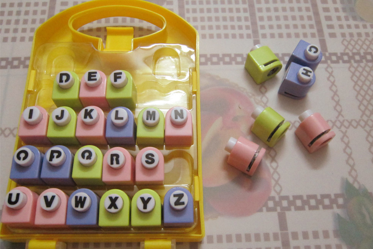 Letter Hole Puncher.26 English Letter Alphabet Craft Hole Punch Set Scrapbook