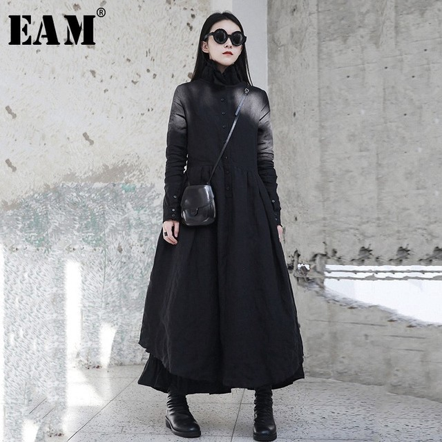 [EAM] 2020 nouveau printemps hiver col à volants à manches longues noir irrégulière grand ourlet pli ample longue robe femmes mode marée JI098