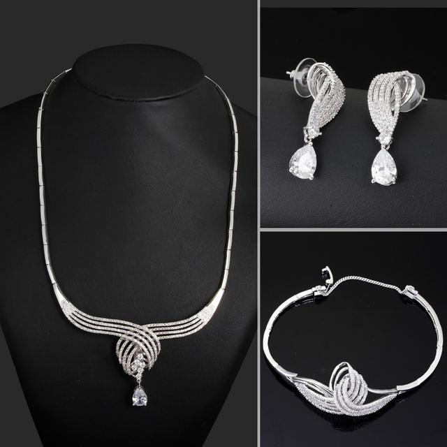 Mensajería gratuito! joyería nupcial de la boda establece Stud pendientes y collar y la pulsera Cubic Zirconia Jewelry Accessories Water Drop