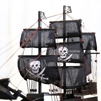 Black Pearl Pirates Of The Caribbean Model Ship 38cm Crawlers Of The Model Decoration Pirates Of The Caribbean Ride The Wind