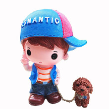 Car Accessories Couple Holding Dog Ornaments Hat Creative Cute Cartoon Walk The Decoration Auto Products