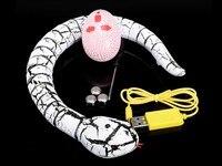 Nuevo de la llegada IR RC serpiente de cascabel de simulación de Control remoto de juguete Animal con Cable USB divertido de la novedad aterrador regalo navidad