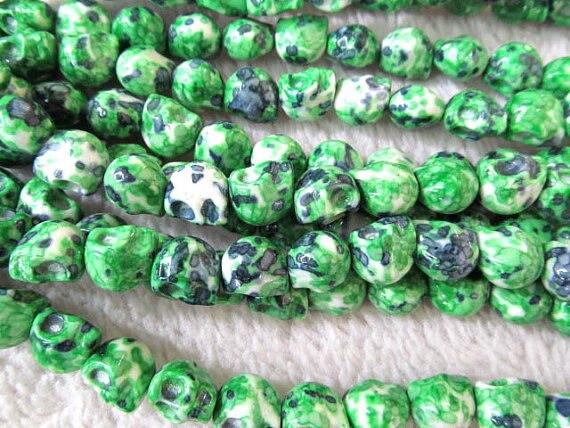 5 brins 10x12mm en gros howlite turquoise fait à la main sucre crâne squelette assortiment bijoux perles