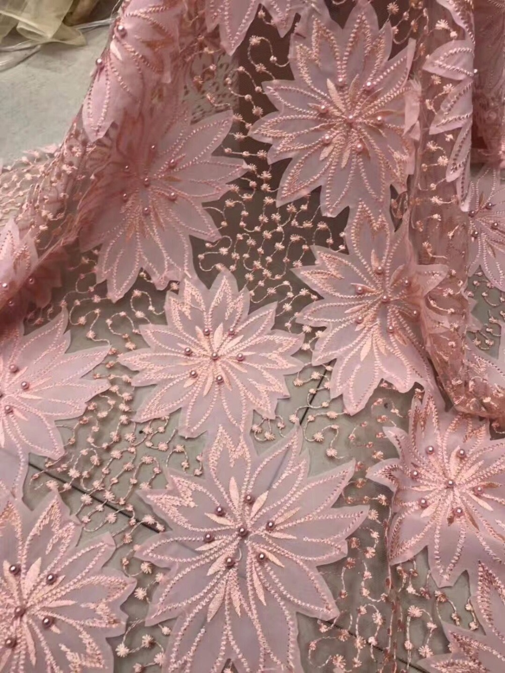 French Lace Wedding Dress Fabric 2017 French Lace With Beads Embroidered Latest African Lace With Stones For WomenFrench Lace Wedding Dress Fabric 2017 French Lace With Beads Embroidered Latest African Lace With Stones For Women