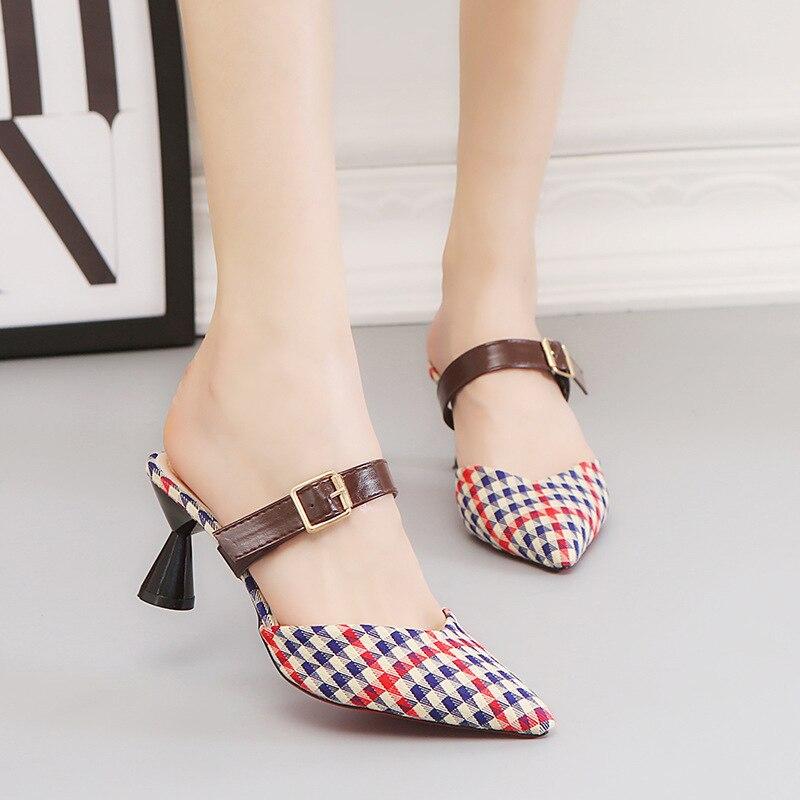 Botón Zapatos Punta Mujer Zapatillas De Una Gato Ocio Verano rojo 2019 Cinturón Medio Del Nueva Negro Tacón Moda Palabra q6wpEYf