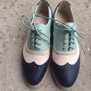 2019 New British Oxford Shoes Woman Brogues Lace-up Carving Bullock Round Toe Genuine Leather Derby Shoes Women Flats Size 34-45