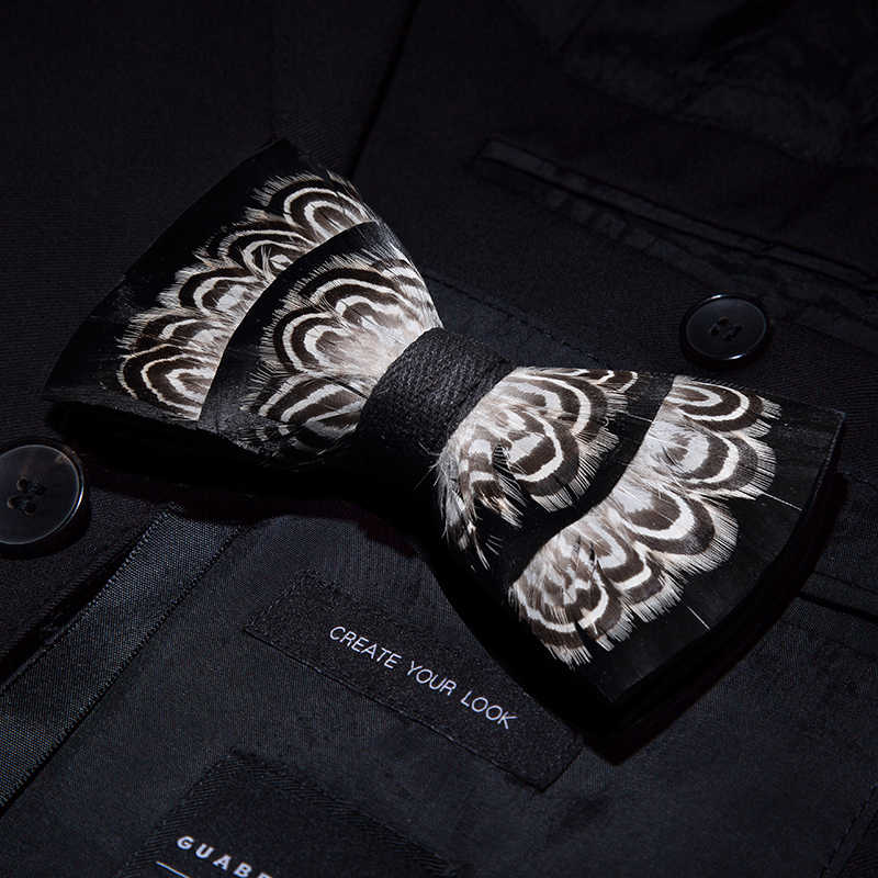 JEMYGINS الأصلي تصميم بووتي الأبيض الطبيعي الطيور ريشة ربطة القوس فيونكة اليدوية جلدية ربطة القوس فيونكة بروش خشبي مربع الزفاف حزب هدية