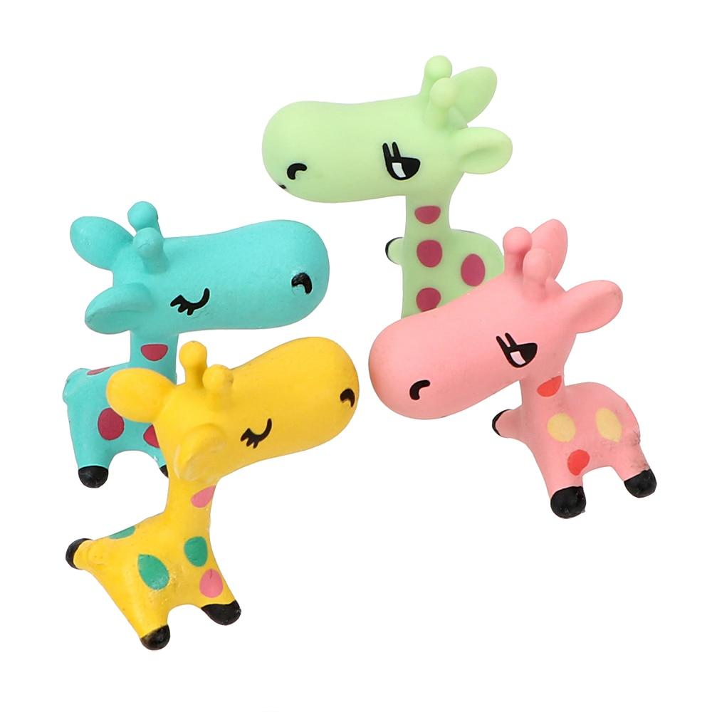 1Pcs Car Ornaments Animals Miniature Giraffe Auto Accessories Dashboard Decoration Home Decor Lovely Mini Resin Craft