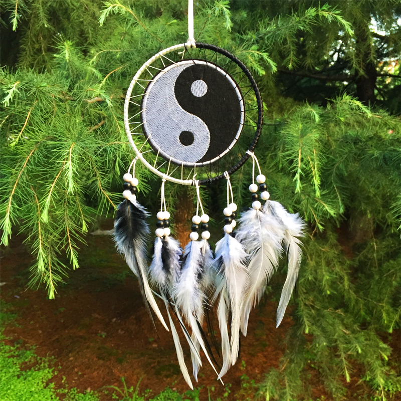 6*25CM New fashion originality Hot black and white Dreamcatcher Wind Chimes Indian Style Feather Pendant Dream Catcher Gift
