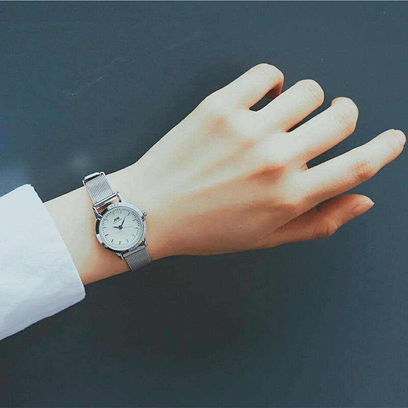 Silver Small Watches Women Fashion Blue Pointer Quartz Mesh Strap Watch Simple Wild Ladies Office Wristwatches Horloges Vrouwen