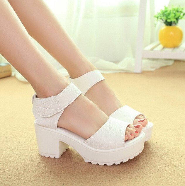 XWZ835-sandal01