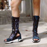 Prova Perfetto 2018 Мода Новый Натуральная кожа Лоскутные сандалии на танкетке с открытым носком вырезами Современные Сапоги женские сандалии
