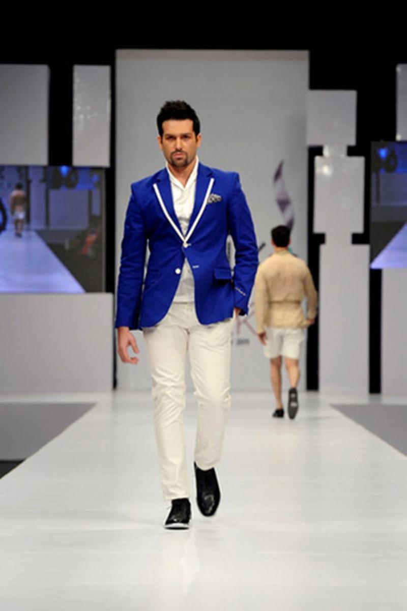 Peaked-Lapel-Royal-Bule-Men-Suits-With-Ivory-Pants-2017-Fashion-2-Pieces-Wedding-Men-Cool.jpg_640x640
