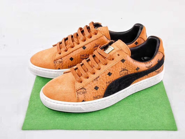 7380a0e5083552 2018 PUMA x MCM Classic Suede Sneakers Shoes Men s and Women s Lovers Shoes  Badminton Shoes Size 36-44