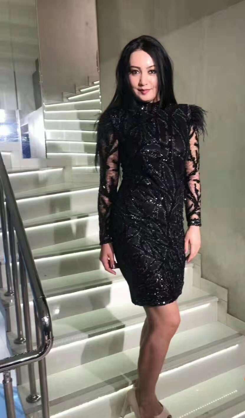 Водолазка с перьями, расшитое блестками, прозрачное, хит продаж, сексуальное Клубное платье, облегающее платье, вечернее платье для знаменитостей, оптовая продажа