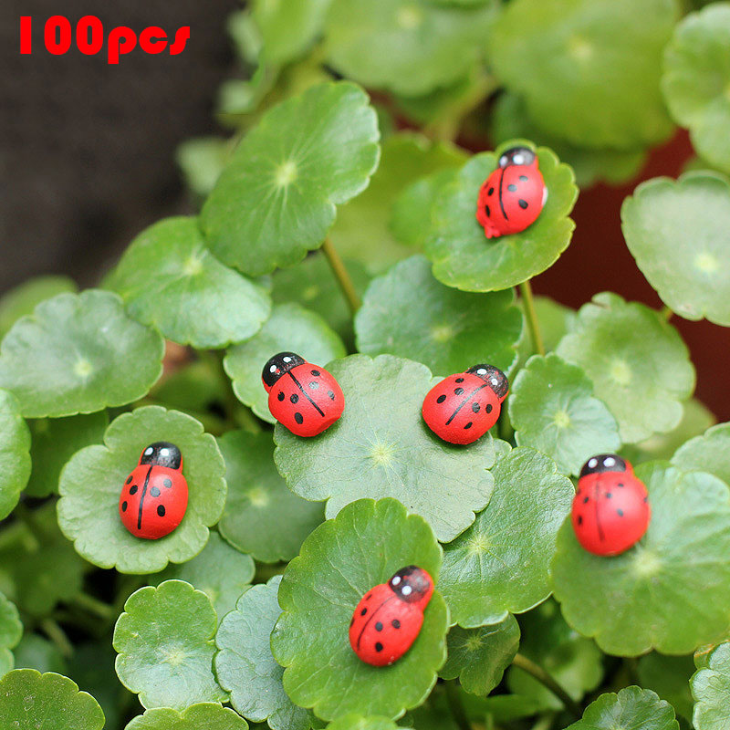 100 Pcs/ Pack Wooden Ladybird Ladybug Sticker Children Kids Painted Adhesive Back DIY Craft Home Party Holiday Decor Hot