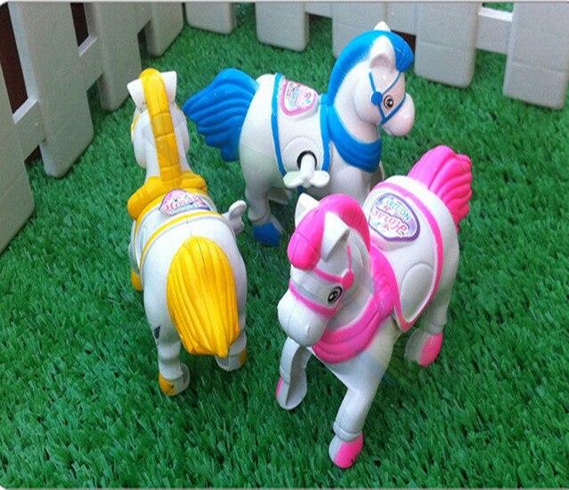 1 Adet Cartton Hayvan Wind Up At Küçük Oyuncaklar Çocuklar Çocuklar Için Hediye Clockwork At Renk Rastgele