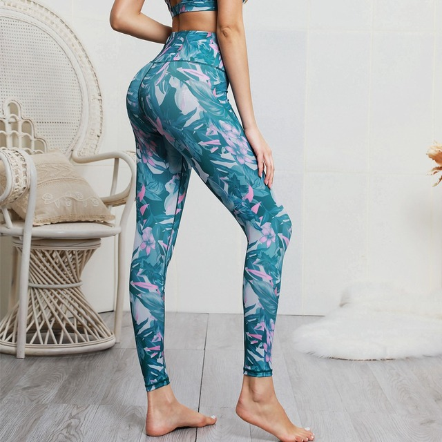 2 Piece Print Yoga Wear Set with Padded  Sports Bra