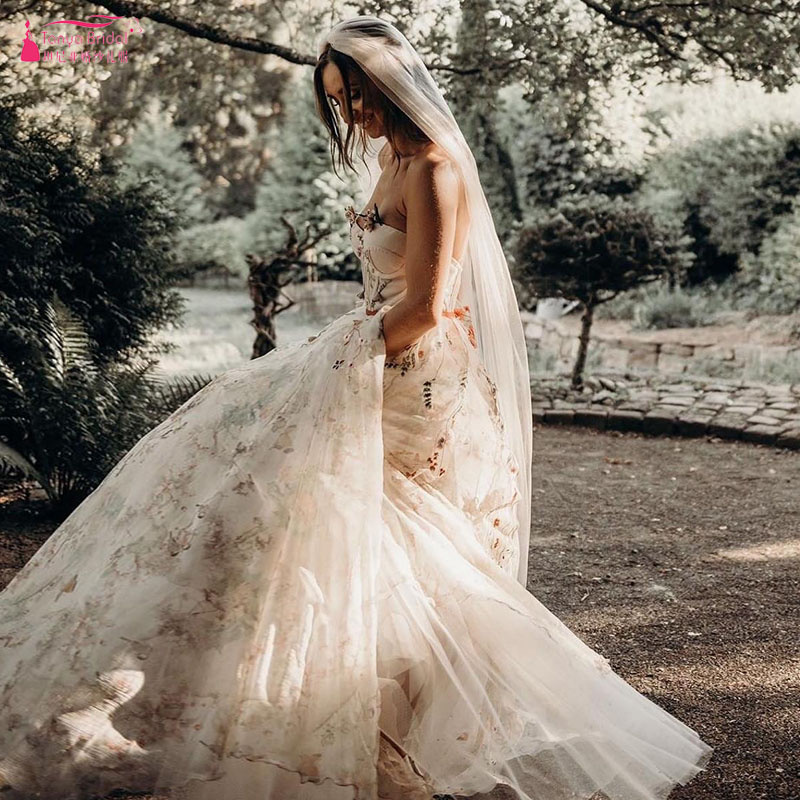 Colorful Embroidery Tulle Wedding Dresses Strapless A Line Bridal Gowns Romantic Outdoor Vestido De Noiva ZW182