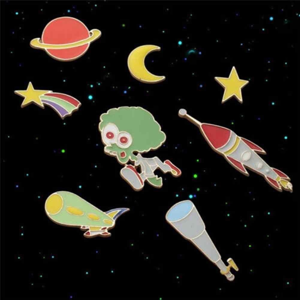 Lucu Kartun Enamel Bulan Alien Planet Lencana Kerah Pin Bros Pakaian Fashion Perhiasan