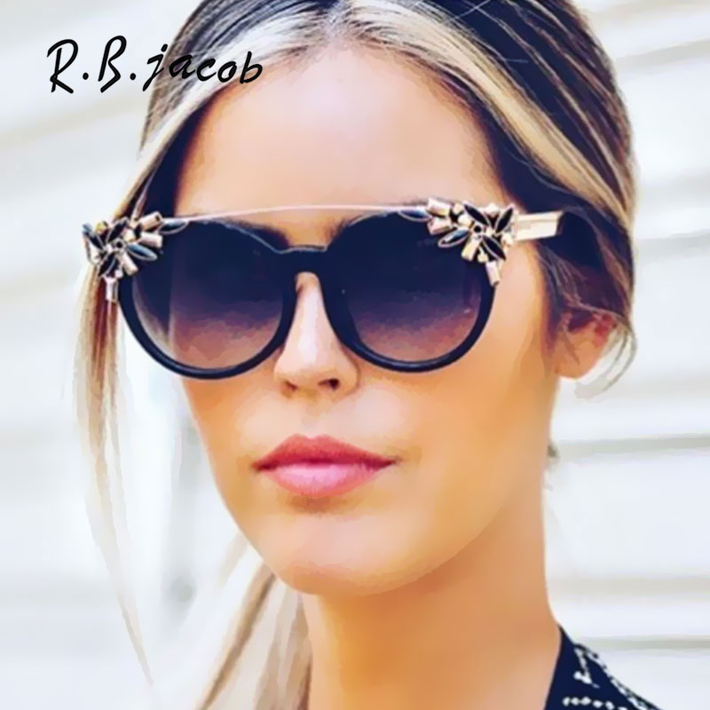 2017 New Fashion Round Gorgeous Women Sunglasses Small Size Beautiful Designed Stylish Lady Sun Glasses Flat Top Vintage Special